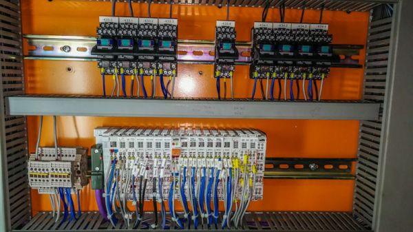 switchboard_detail_shipcrane_control_system.jpeg